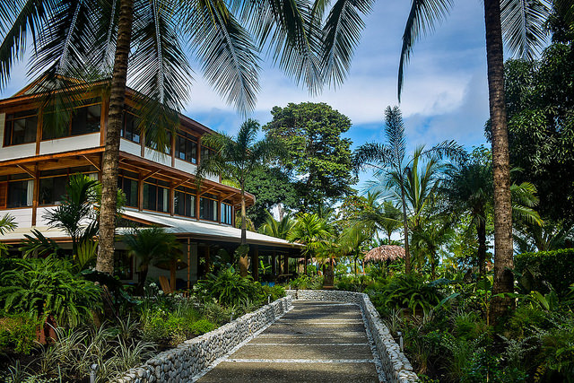 How To Find The Yoga Retreat Center That's Right For You